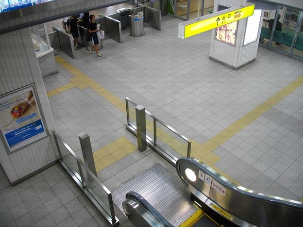 小松駅改札