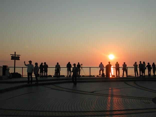 夕陽を見る人々[2011.7]