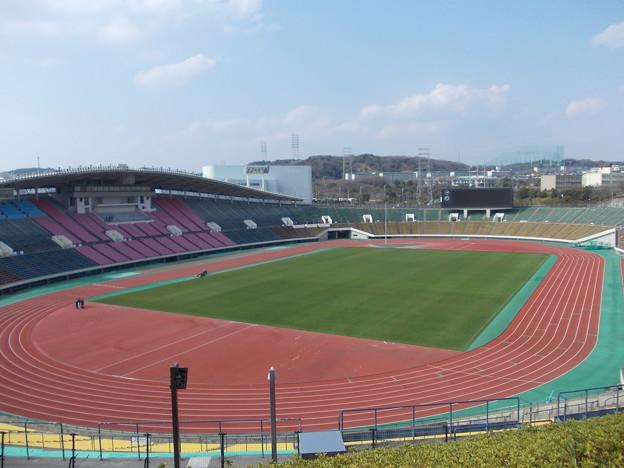 写真: ユニバー記念競技場