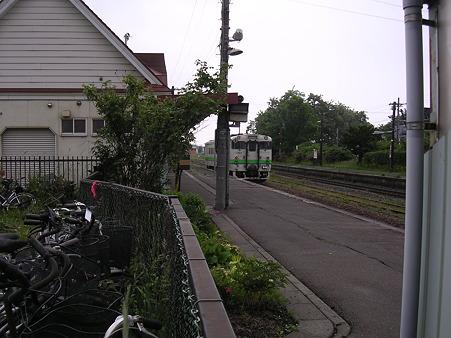 桔梗駅ホーム2