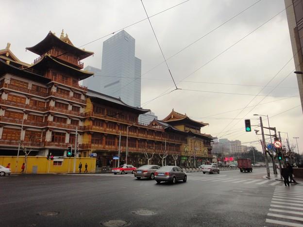 華山路からの静安寺