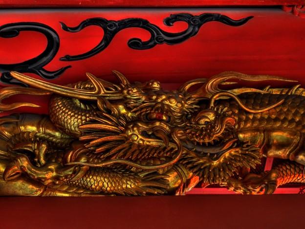 2011年12月31日 浅間神社楼門 龍の彫刻 HDR