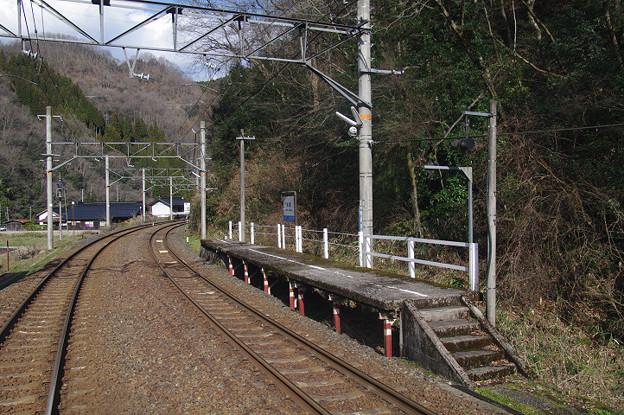 s4854_布原駅下りホーム_岡山県新見市_JR西