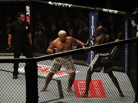 UFC 144 マーク・ハントvsシーク・コンゴ (3)