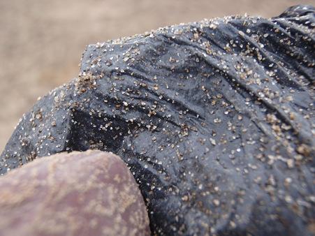 山元町 がれき撤去作業 瓦礫と付着した砂