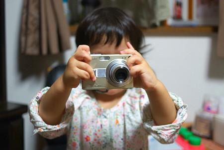 2011.10.04 居間 小さなカメラマン