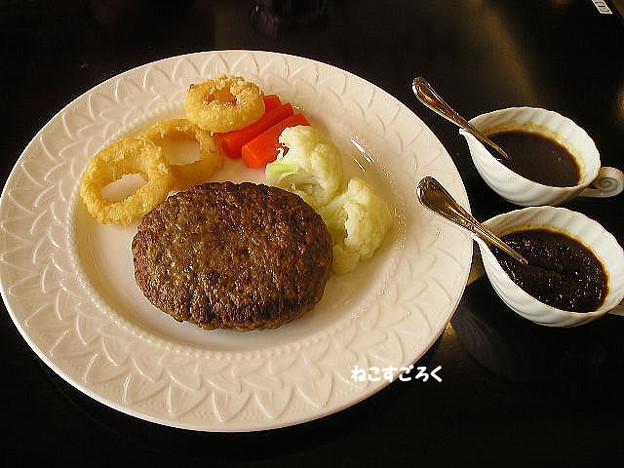 えすぽわーる伊佐沼 内 レストランSAKURA @ 川越 森のわくわくハンバーグ(デミグラスソース)(シャリアピンソース)800円