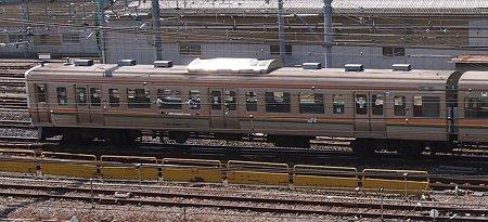 斜め上から写真 211系田町車(5連)