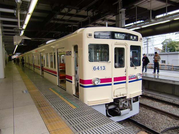 京王6000系(6413F) 各駅停車高尾山口行き