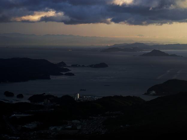 富士山は遥か彼方…雲の上