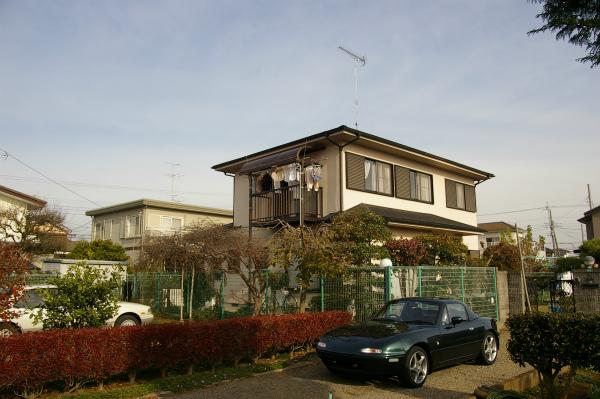 両親の家の前に停めたユーノスロードスターVR-Limited CombinetionB
